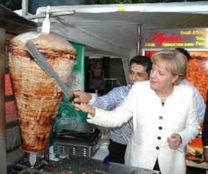 Angela Merkel mange du kebab !