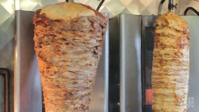 Le Gyros, un kebab au porc