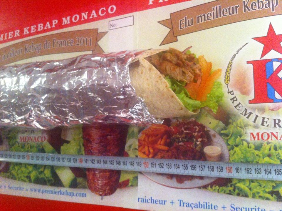 Tentative de record du plus long kebab du monde