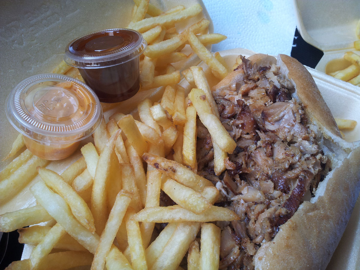 Kebab frites et Chikka Thaï - L'original à Paris