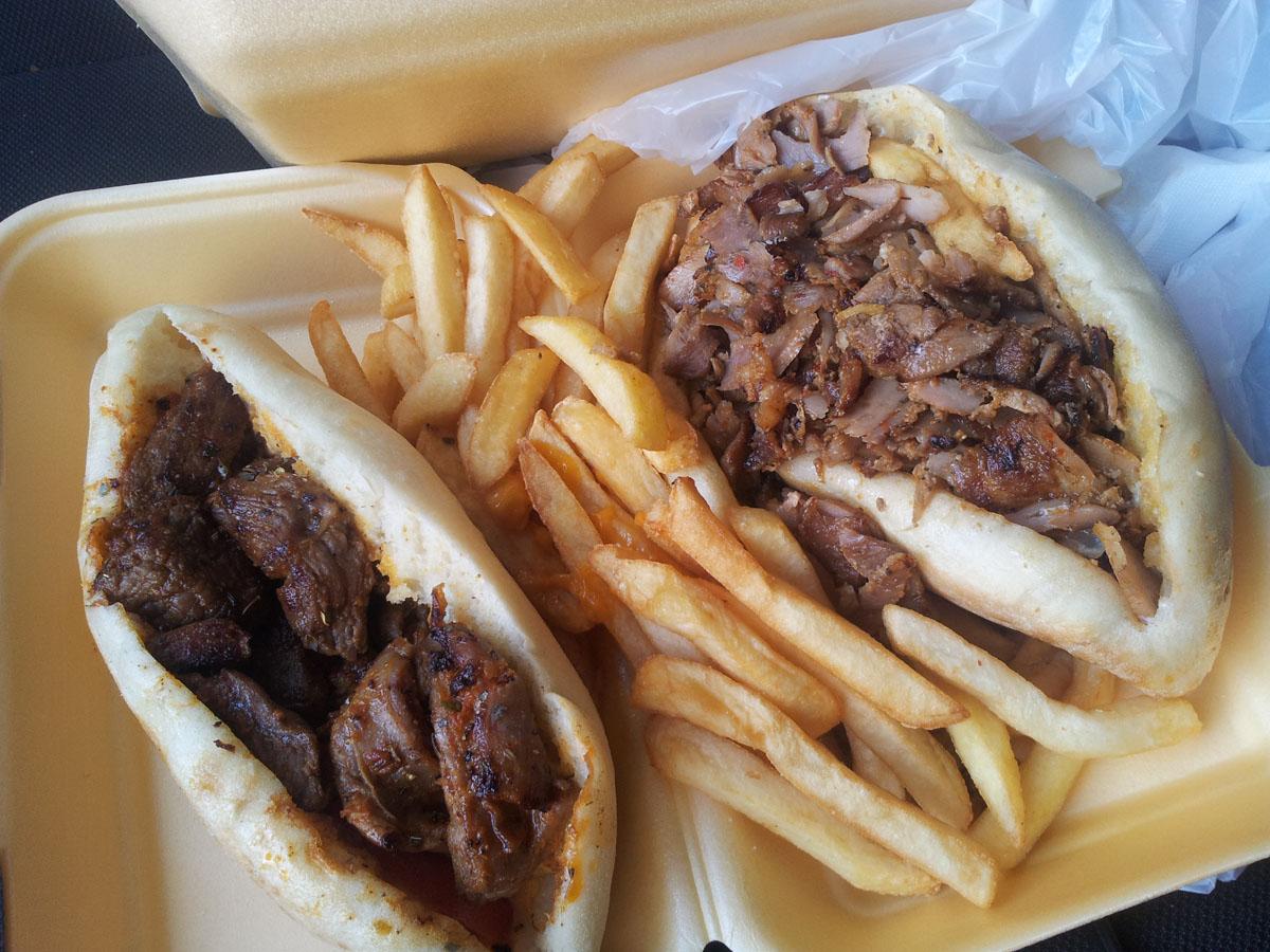 Sandwich brochette d'agneau et Kebab-frites - Le grand pacha à Argenteuil