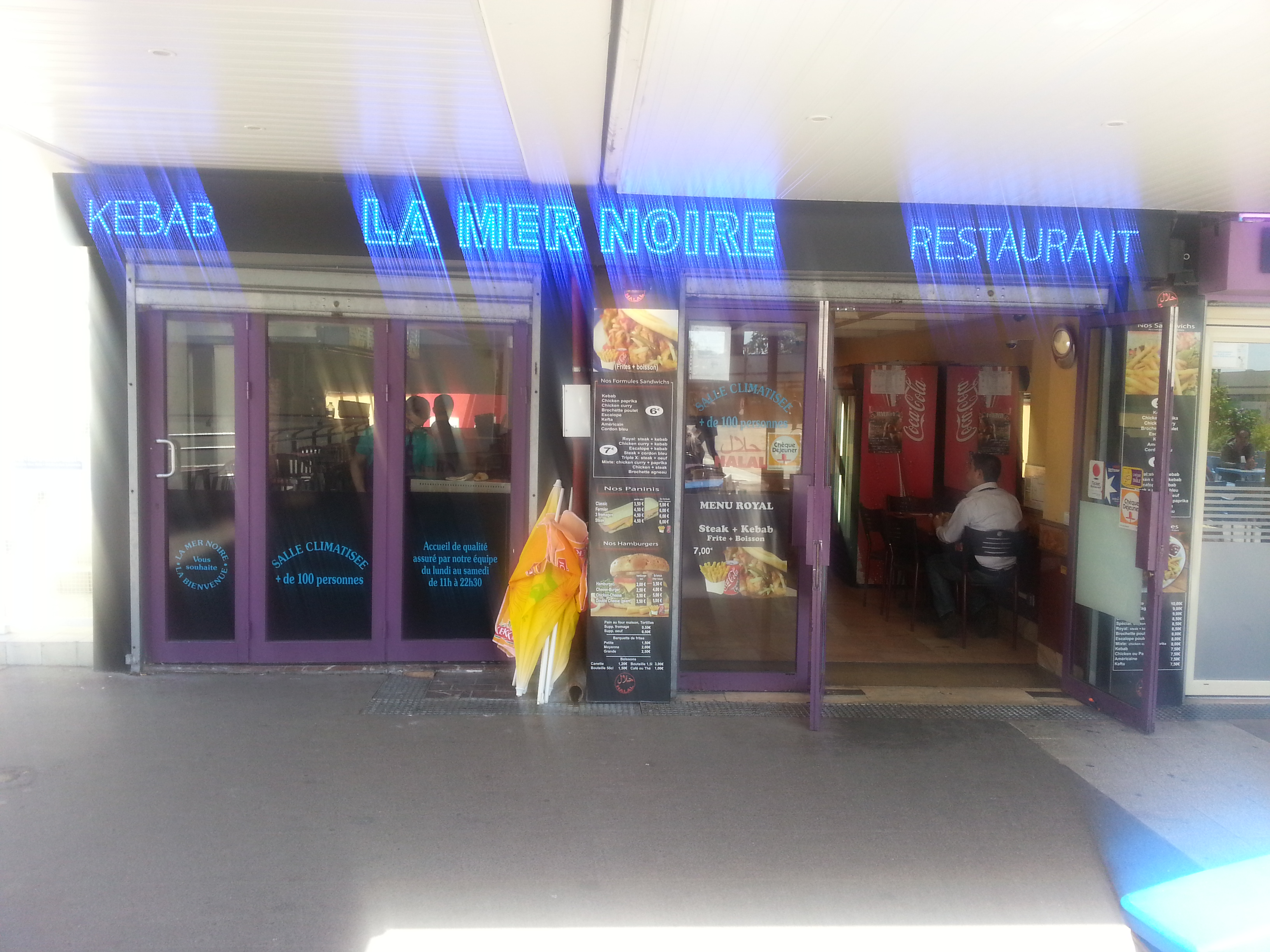La mer noire cergy avis tarifs horaires t l phone for Divan kebab carte